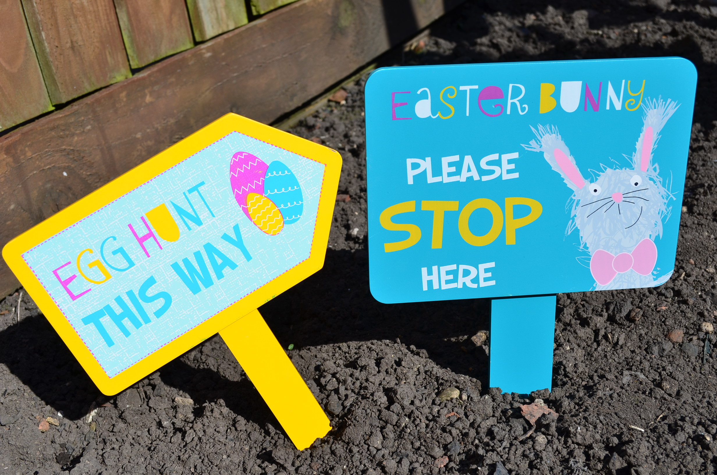 Have an eggcellent easter with sainsburys lindy loves these cute easter signs are great for brightening up the garden and bringing a little easter fun to your home if you dont have a garden you could put them negle Choice Image