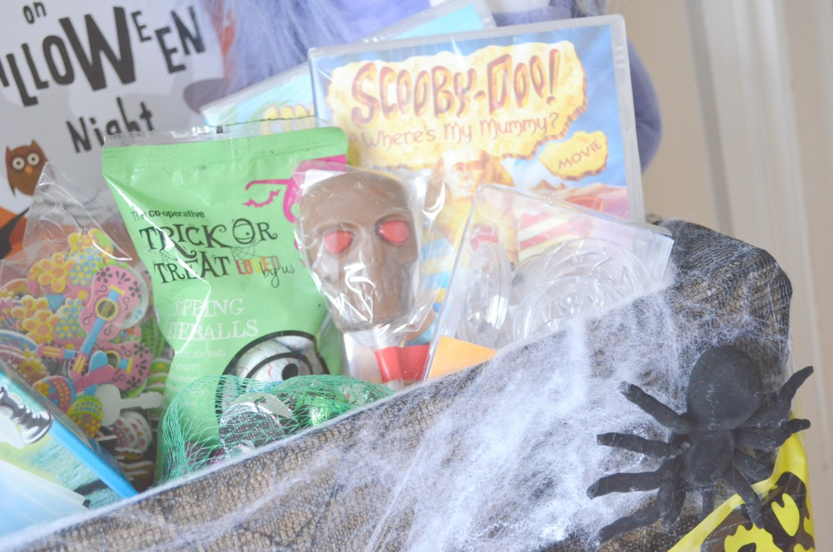 DIY Halloween Hamper