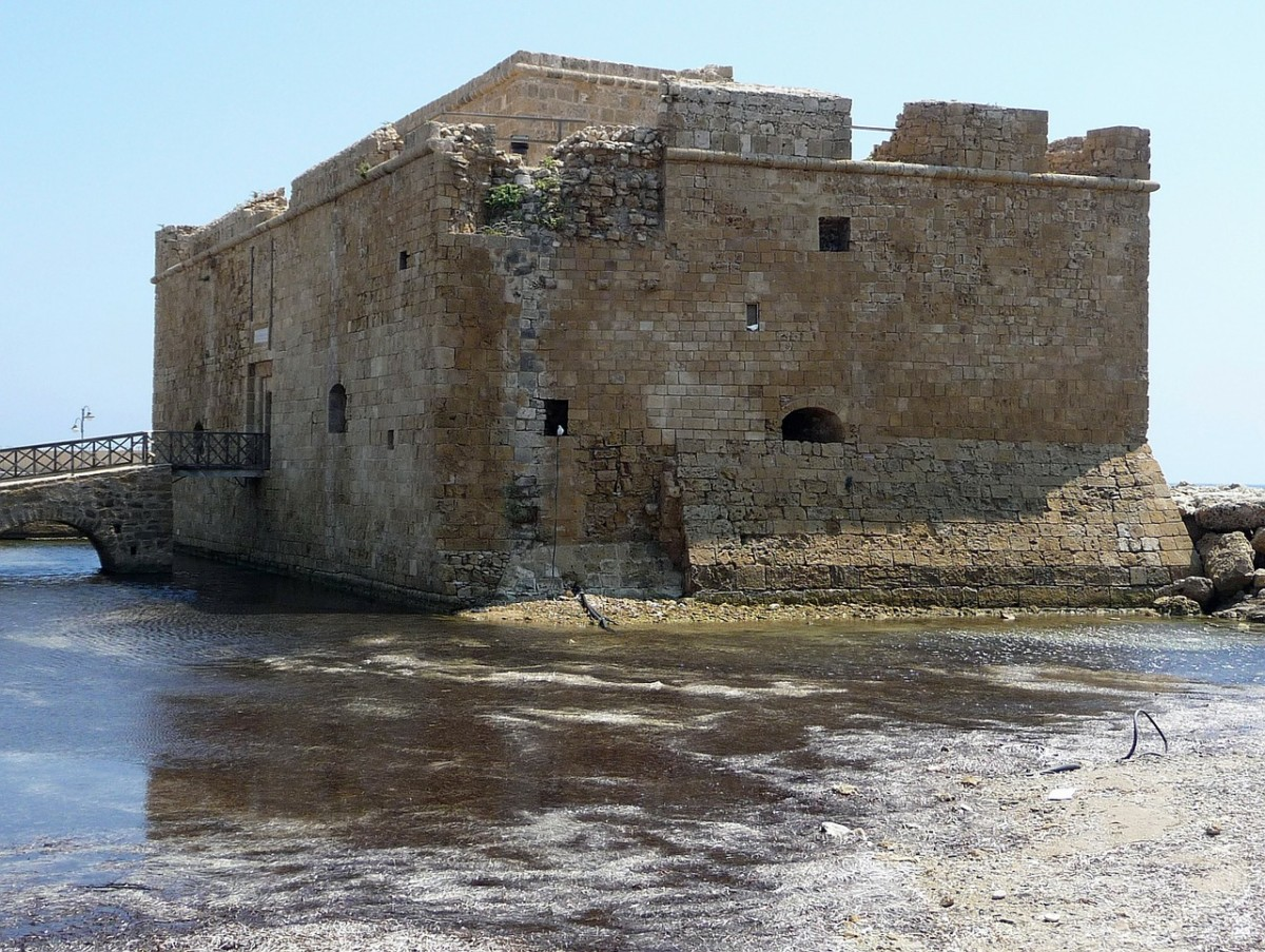 fortress-173895_1280