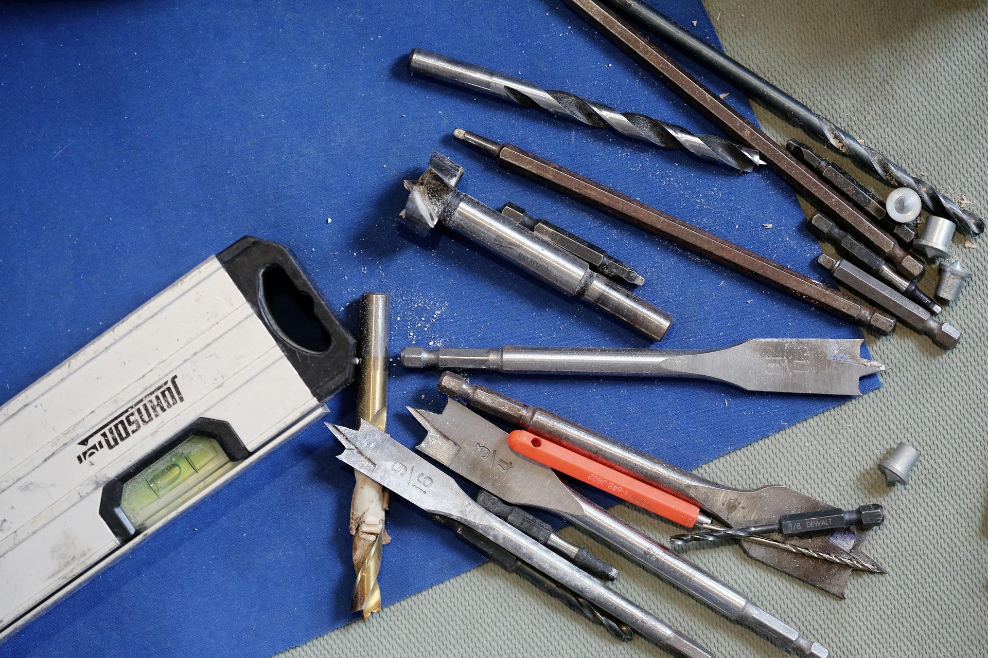 tools-569108_1920