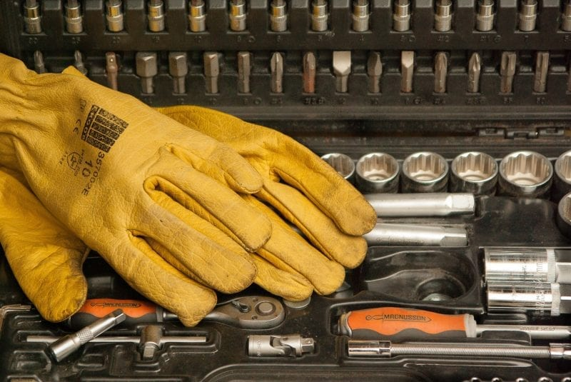 gloves-1192164_1920